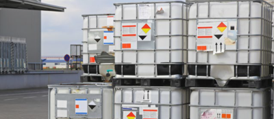 Shipping containers of chemical products
