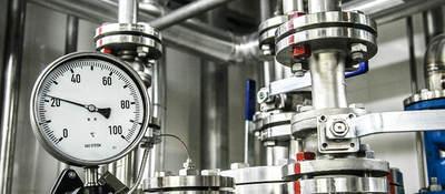 pressure gauge, pressure tank, pipes