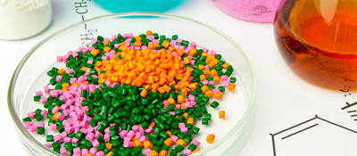 Plastic raw material in granules