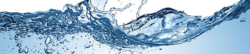Water making a crashing wave
