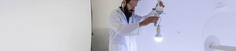 UL engineer tests lightbulb