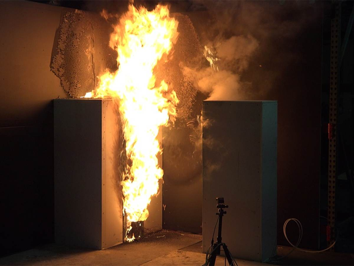 Flames in a fire testing unit