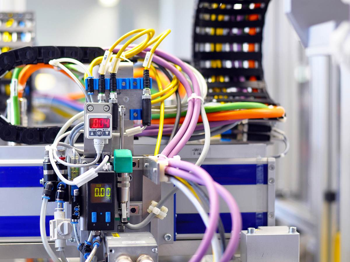wire-and-cable-robotic