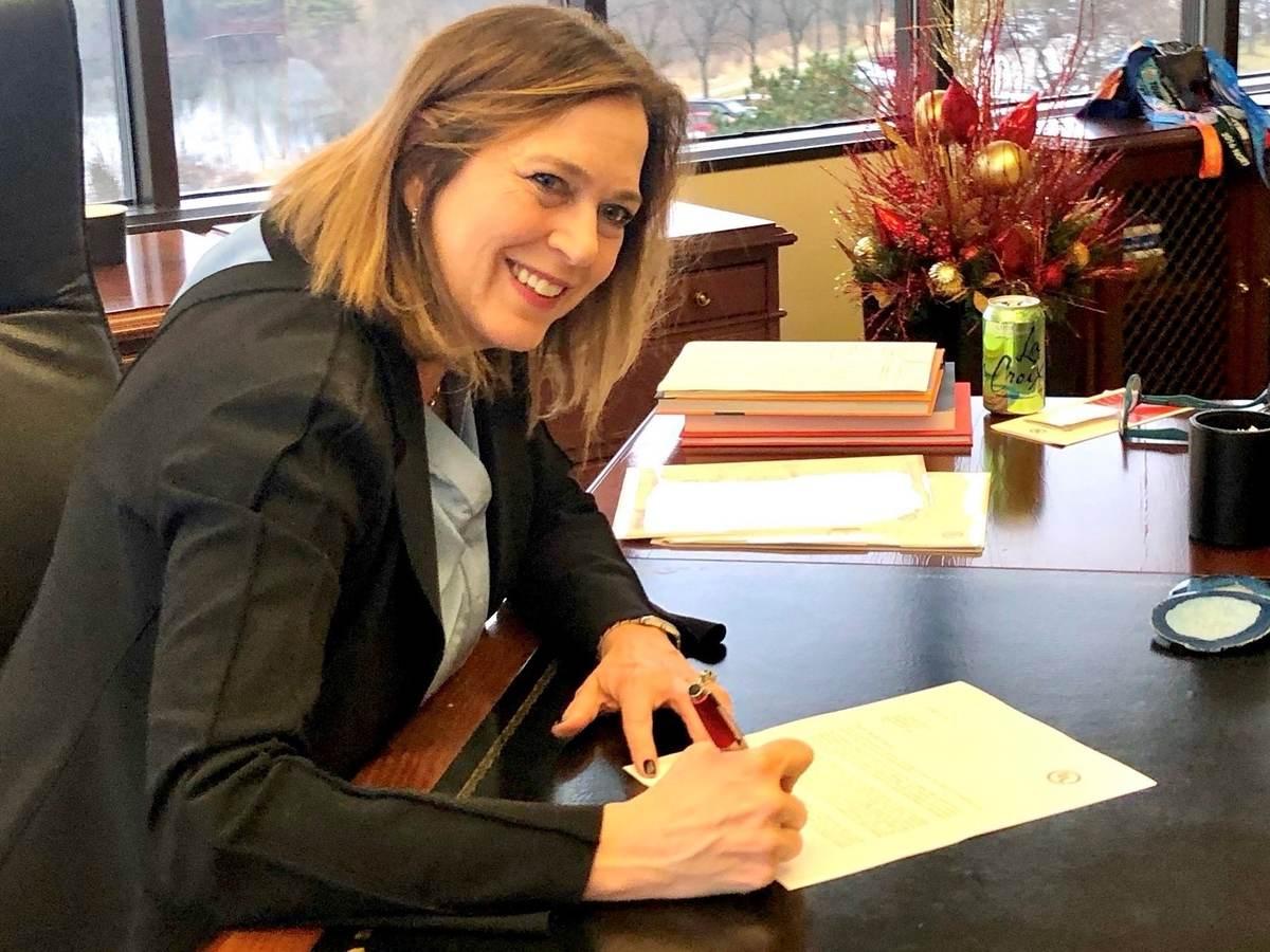 Jenny signing UNGC