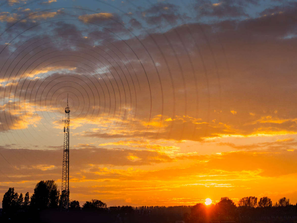 Radiowave visualization at sunset
