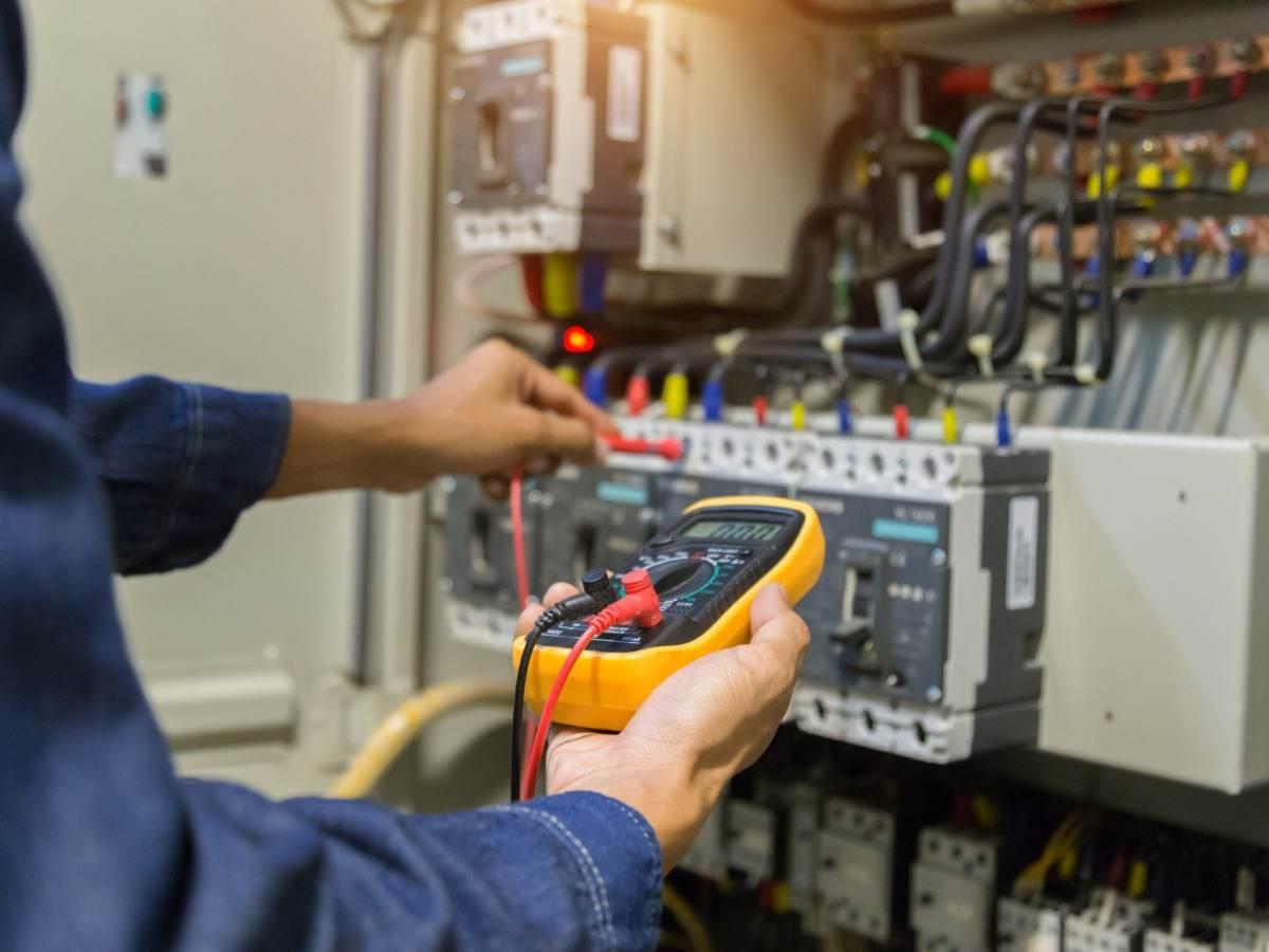 Low voltage switchgear panels