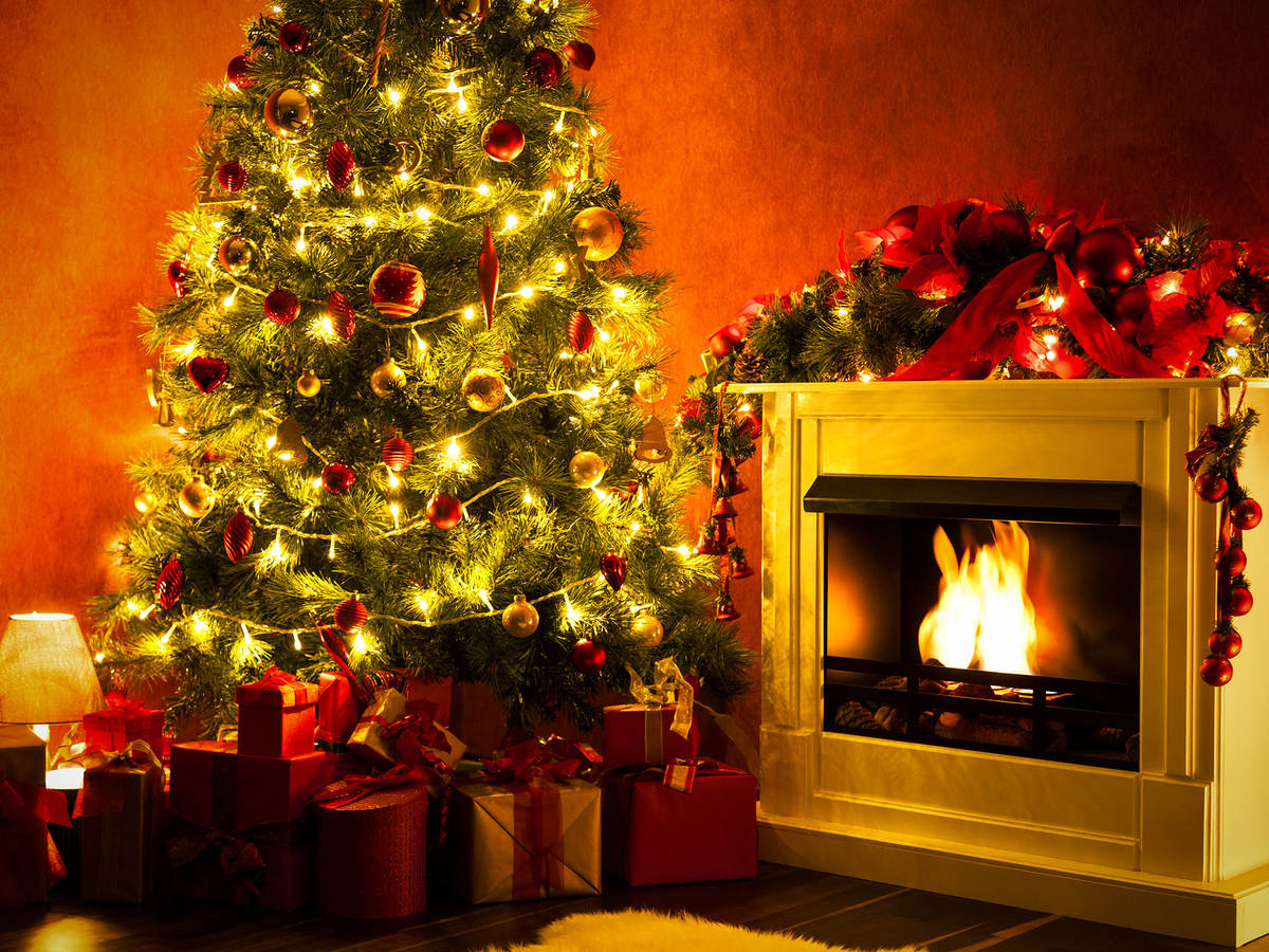 Reducing The Fire Hazard Of Pre Lit Artificial Christmas Trees Ul