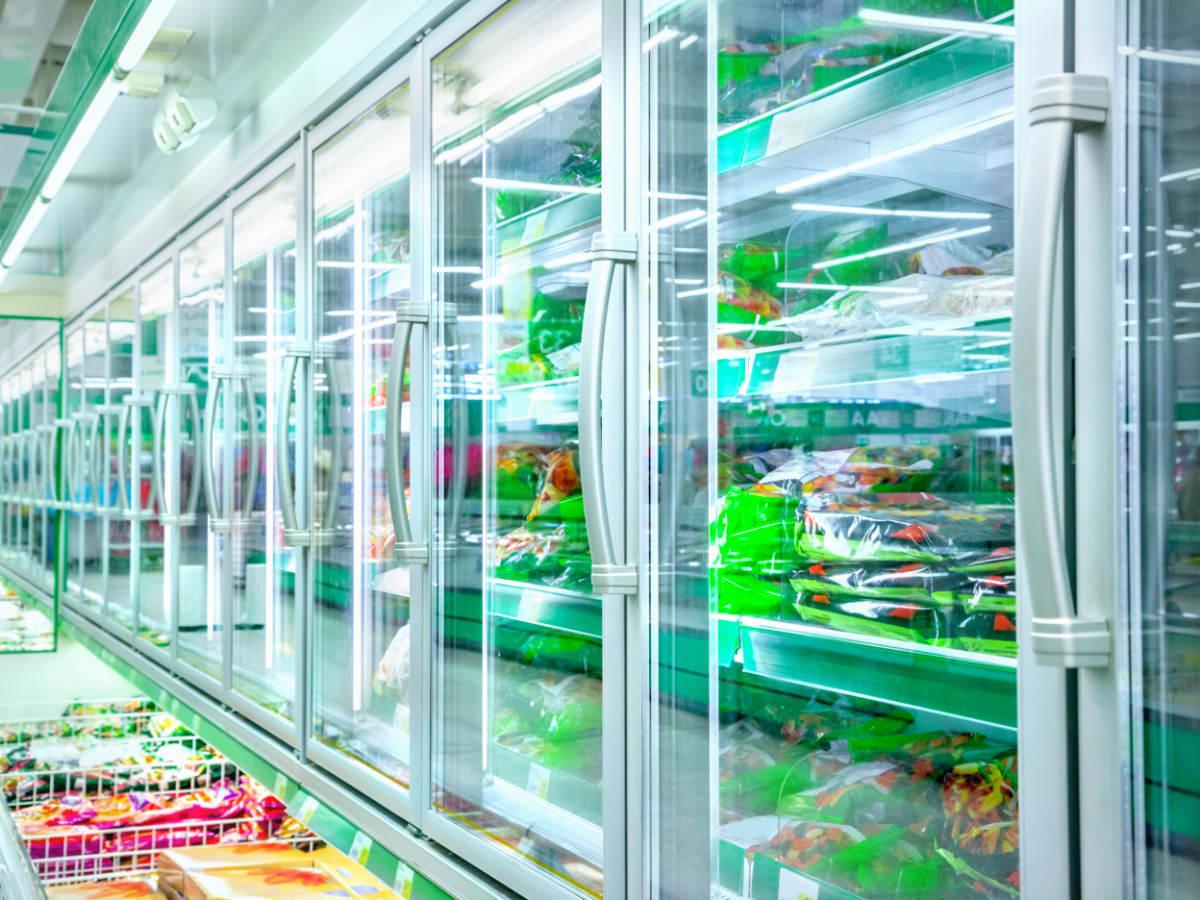 Commercial refrigerator aisle