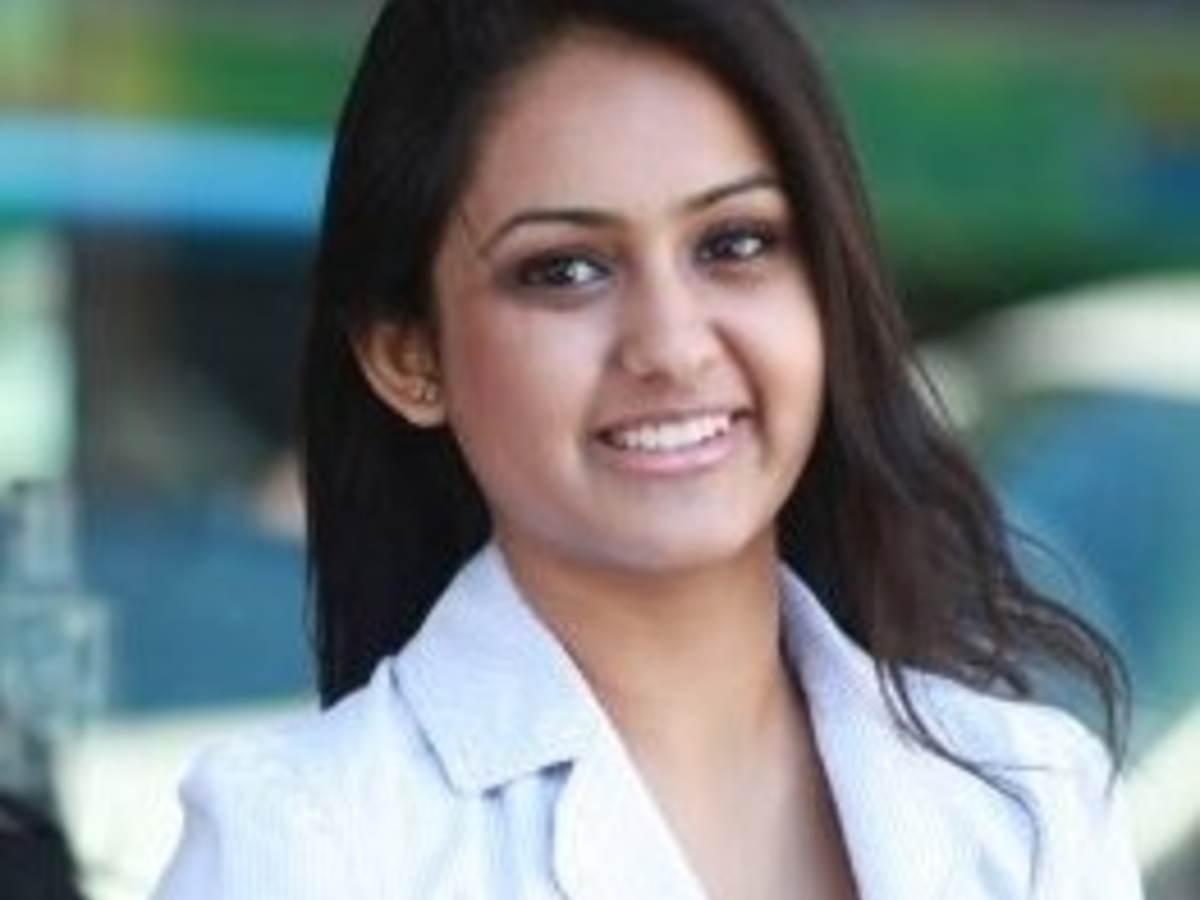 Headshot of Heli Patel