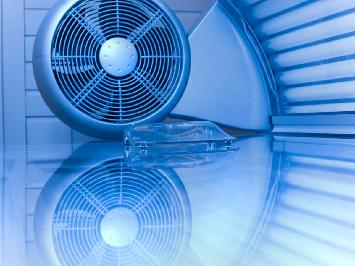HVAC fan with ultraviolet light