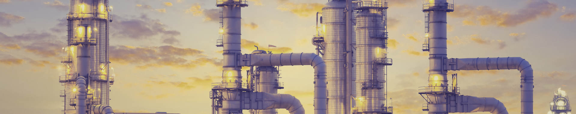 Picture of an oil refinery at dusk